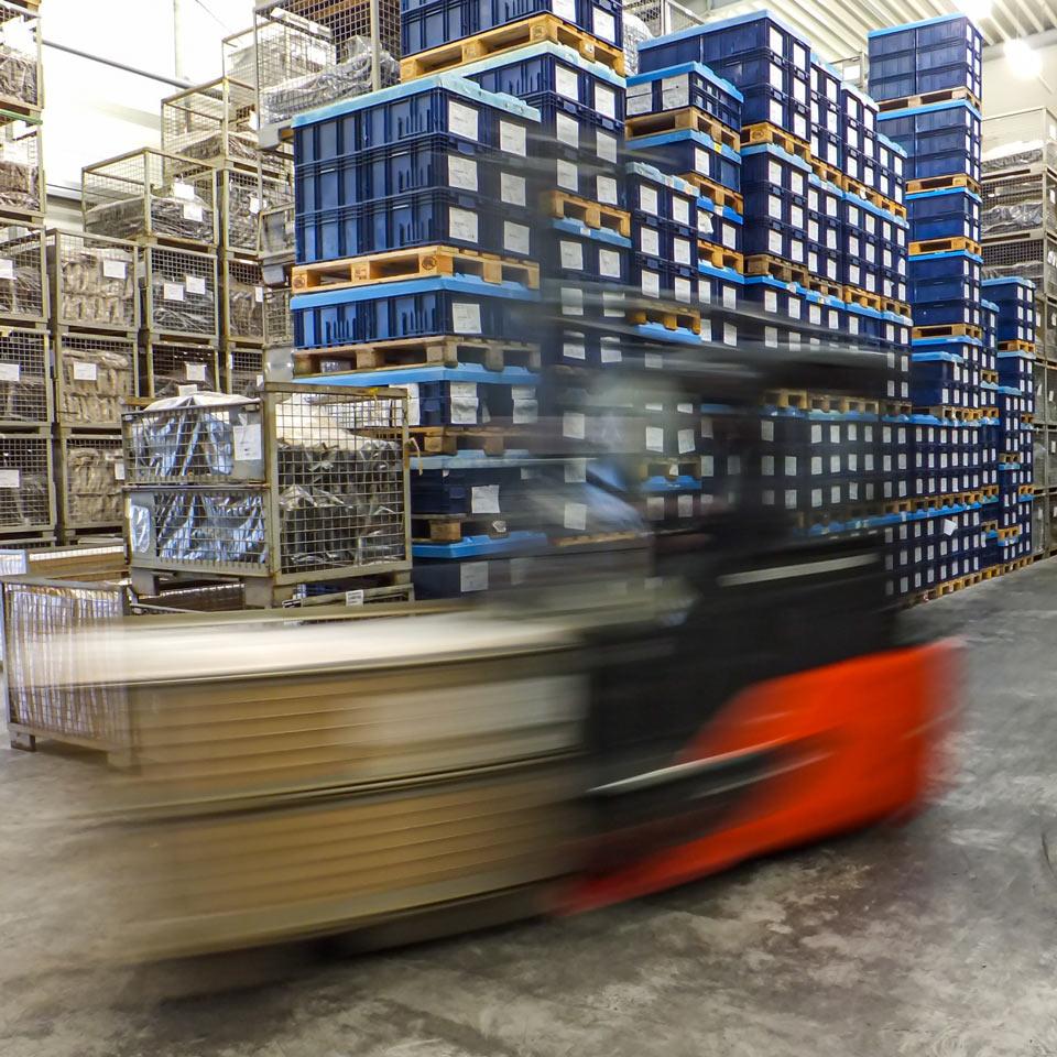 Wir kümmern uns um Produktionstermine, Losgrößen, Versandanmeldung, Leergut und Pendelverpackungen.